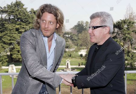 Us Architect Daniel Libeskind (r) and Lapo Elkann Grandson of Italian Fiat-founder Giovanni Agnelli Shake Hands During the Presentation of Libeskind's Project For the New Contemporary Art Museum (museo Di Arte Contemporanea) in Milan Italy 17 March 2008 Italy Milan