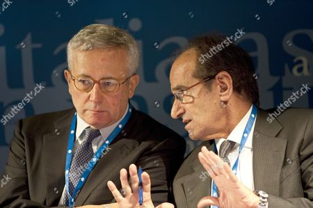 Italian Finance Minister Giulio Tremonti (l) Talks with French Economist Jean Paul Fitoussi (r) in Rome Italy 14 October 2010 During a Conference Organised by the Aspen Institute Italy Rome