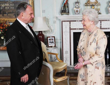 Queen Elizabeth II and John Dauth