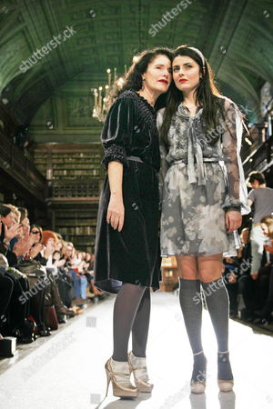 Italian Designer Luisa (l) and Lucilla Beccaria (r) Acknowledge the Applause After the Presentation of the Luisa Beccaria Collection During the Milan Fashion Week Fall-winter 2010/11 in Milan Italy 26 February 2010 the Milano Moda Donna Runs Until 02 March Italy Milan