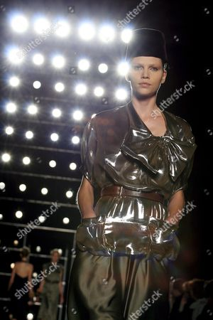 A Model on the Catwalk Wears a Proposal by Italian Stylists Tommaso Aquilano and Roberto Rimondi During the Spring-summer 2009 Women Ready-to-wear Fashion Week in Milan Italy 23 September 2008 Italy Milan