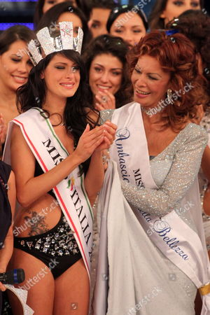Italian Actress Sophia Loren (r) Crowns Francesca Testasecca As Miss Italia 2010 During the Final Evening of Miss Italia Beauty Show in Salsomaggiore Terme Italy on 13 September 2010 Italy Salsomaggiore