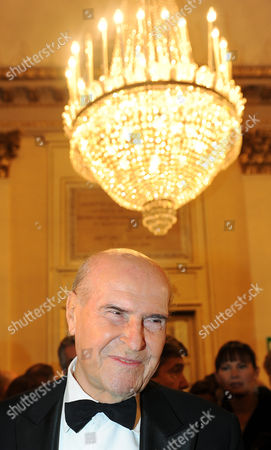 Italian Professor Umberto Veronesi Arrives at La Scala Opera House on 07 December 2010 in Milan Italy For the Opening Night of the Season the Opera Season Premiers at La Scala with Richard Wagner's 'Die Walkuere' Directed by Daniel Barenboim Italy Milan