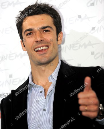Italian Actor Luca Argentero Poses During a Photocall For His Film 'Oggi Sposi' at the Rome International Film Festival 20 October 2009 in Rome Italy the Movie by Italian Director Luca Lucini is Presented out of Competition at the Festival Running From 15 to 23 October Italy Rome