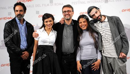 Italian Director Guido Chiesa (c) and (l-r)tunisinian Actors Ahmed Hafiene Rabeb Srairi Nadia Khlifi and Mustapha Benstiti Pose During the Photocall For the Movie 'Io Sono Con Te' at the 5th Annual Rome Film Festival in Rome Italy 03 November 2010 the Movie is Presented in the Official Competition at the Festival That Runs From 28 October to 05 November 2010 Italy Rome
