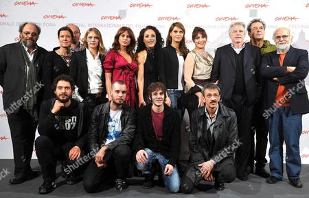 Italian Director Gianluca Maria Tavarelli (front R) Poses During a Photocall with the Cast of His Movie 'Le Cose Che Restano' (longlasting Youth) at the 5th Annual Rome Film Festival in Rome Italy 04 November 2010 the Movie is Presented in the Special Events Section of the Festival That Runs From 28 October to 05 November Italy Rome