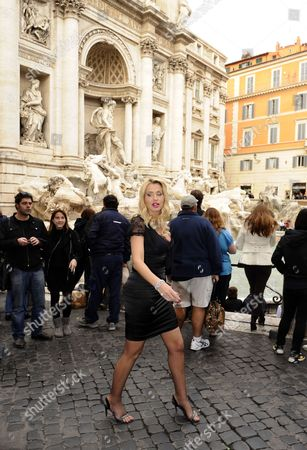 Italian Actress Valeria Marini Poses in Front of the Trevi Fountain in Rome Italy 02 November 2010 on the Day of Her Debut As Producer the Movie 'I Want to Be a Soldier' by Spanish Director Christian Molina was Presented out of Competition at the 5th Annual Rome Film Festival Italy Rome
