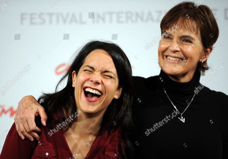 Mexican Director Maria Novaro (r) and Mexican Actress Ursula Pruneda Pose During the Photocall For the Movie 'Las Buenas Hierbas' (the Goods Herbs) at the 5th Annual Rome Film Festival in Rome Italy 31 October 2010 the Movie is Presented in the Official Competition the Festival That Runs From 28 October to 05 November Italy Rome