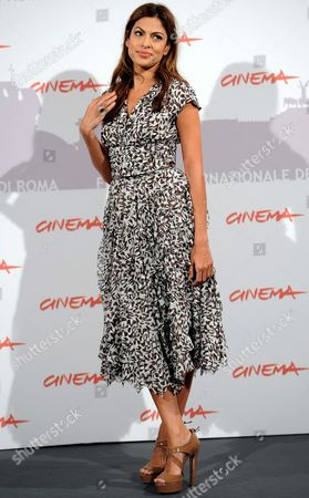 Us Actress and Cast Member Eva Mendes Poses During the Photocall For the Movie 'Last Night' at the 5th Annual Rome Film Festival in Rome Italy 28 October 2010 the Movie by Iranian-born Us Director and Writer Massy Tadjedin is Presented in the Official Competition of the Festival That Runs From 28 October to 05 November Italy Rome
