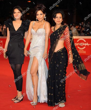 Indian Actresses (l) Seema Ramani Priyanka Bose (c) and Tillotama Shome (r) Pose During the Premiere For the Movie 'Gangor ' at the 5th Annual Rome Film Festival in Rome Italy 31 October 2010 the Movie by Italian Director Italo Spinelli is Presented in Official Competition the Festival That Runs From 28 October to 05 November Italy Rome