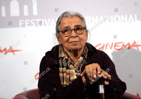 Indian Writer Mahasweta Devi Poses During the Photocall For the Movie 'Gangor' at the 5th Annual Rome Film Festival in Rome Italy 31 October 2010 the Movie by Italian Director Italo Spinelli is Presented in Official Competition the Festival That Runs From 28 October to 05 November Italy Rome