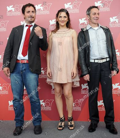 Chilean Director Pablo Larrain (l) Poses with Chilean Actors Antonia Zegers (c) and Alfredo Castro During the Photocall For Their Movie 'Post Mortem' at the 67th Annual Venice Film Festival in Venice Italy 05 September 2010 the Movie is Presented in the International Competition 'Venezia 67' at the Festival Running From 01 to 11 September Italy Venice