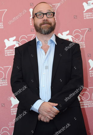 Us Actor Paul Giamatti Poses During the Photocall For the Movie 'Barney's Version' at the 67th Annual Venice Film Festival in Venice Italy 10 September 2010 the Movie by Canadian Director Richard J Lewis is Presented in the International Competition 'Venezia 67' at the Festival Running From 01 to 11 September Italy Venice