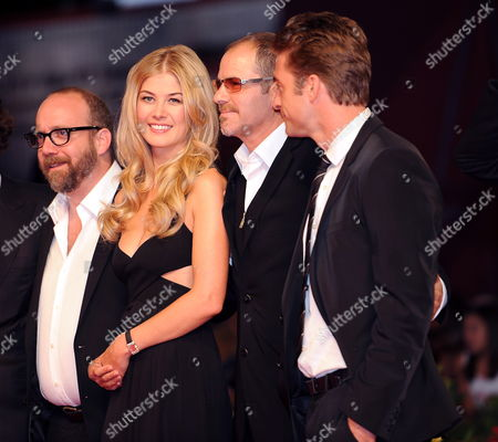 Us Actor Paul Giamatti (l-r) British Actress Rosamund Pike Canadian Director Richard J Lewis and British Actor Scott Speedman Arrive For the Premiere of Their Movie 'Barney's Version' at the 67th Annual Venice Film Festival in Venice Italy 10 September 2010 the Movie by Canadian Director Richard J Lewis is Presented in the International Competition 'Venezia 67' at the Festival Running From 01 to 11 September Italy Venice
