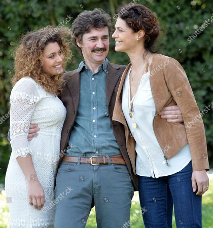 Italian Director Edoardo Winspeare (c) Poses with Italian Actresses Celeste Casciaro (r) and Laura Licchetta (l) During the Photocall For the Movie 'In Grazia Di Dio' (english Title: Quiet Bliss) in Rome Italy 21 March 2014 Italy Rome