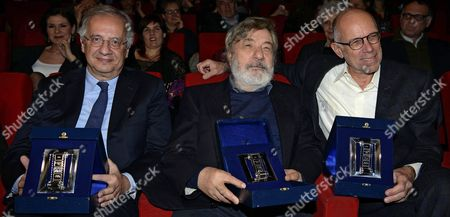 From (l-r) Italian Politician and Director Walter Veltroni with Italian Director Gianni Amelio and Italian Director and Screenwriter Gabriele Salvatores Poses Holding Their Awards During the 2015 Nastri D'argento (silver Ribbon) Awards Ceremony in Rome Italy 03 March 2015 the Awards Are Presented Annually by Sindacato Nazionale Dei Giornalisti Cinematografici Italiani (sngci) the Association of Italian Film Critics Italy Rome