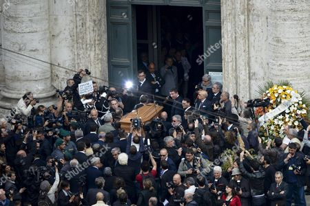 The Coffin Containing the Remains of Former Itallian Premier Giulio Andreotti is Carried by Friends During the Private Funeral in San Giovanni Dei Fiorentini Church in Rome 07 May 2013 Andreotti who Served Seven Times As Italy's Prime Minister Died on 06 May 2013 at the Age of 94 Andreotti was a Central Figure of Italy's Postwar Era His Last Time in Office As Prime Minister was From 1989 to 1992 Italy Rome