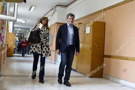 Centre-right Parties Candidate Incumbent Mayor of Rome Gianni Alemanno (r) with His Wife Isabella Rauti Arrive to Vote in the Run-off Election For Rome's Mayor at a Polling Station in Rome Italy 09 June 2013 Italy Rome
