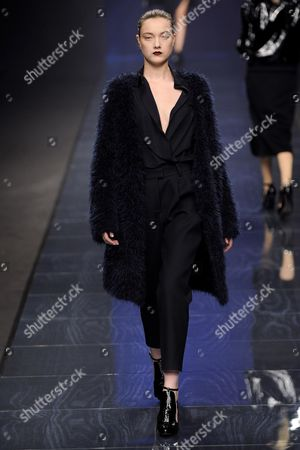 A Model Presents a Creation by Designer Izumi Ogino For Her Label Anteprima During the Milan Fashion Week Fall-winter 2013/14 in Milan Italy 21 February 2013 the Milano Moda Donna Runs From 20 to 26 February Italy Milan