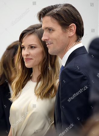 Us Actress Hillary Swank (l) and Husband Chad Lowe Attend the Fall/winter 2014/2015 Women's Collection of Salvatore Ferragamo During the Milan Fashion Week in Milan Italy 23 February 2014 the Milano Moda Donna Runs From 19 to 24 February Italy Milan