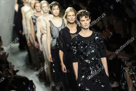Dutch Model Saskia De Brauw Present Creations From the Spring/summer 2015 Collection of Italian Fashion House Bottega Veneta During the Milan Fashion Week in Milan Italy 20 September 2014 the Milano Moda Donna Runs From 17 to 22 September Italy Milan