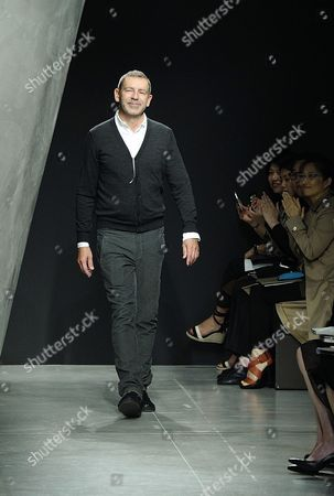 German Designer Tomas Maier Appears on the Catwalk at the End of the Presentation of His Spring/summer 2015 Collection For Italian Fashion House Bottega Veneta During the Milan Fashion Week in Milan Italy 20 September 2014 the Milano Moda Donna Runs From 17 to 22 September Italy Milan