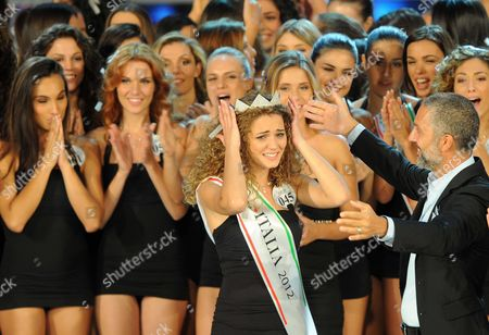 Giusy Buscemi (c) Wins Miss Italia 2012 in Montecatini Terme Italy 10 September 2012 on the Right is Italian Actor Beppe Fiorello Italy Montecatini Terme