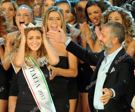 Giusy Buscemi (l) Wins the Miss Italia 2012 in Montecatini Terme Italy 10 September 2012 on the Right is Italian Actor Beppe Fiorello Italy Montecatini Terme