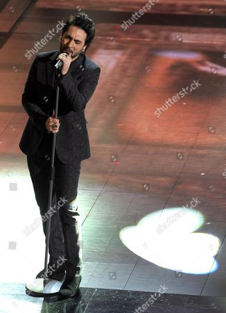 Italian Singer Francesco Sarcina Performs Onstage During the Third Night of Sanremo Italian Song Festival in Ariston Theatre Sanremo Italy 20 February 2014 Italy Sanremo