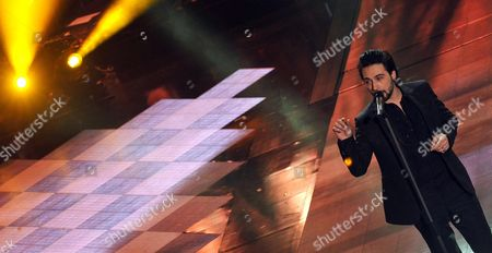 Italian Singer Francesco Sarcina Performs During the Second Night of the Sanremo Italian Song Festival at the Ariston Theatre in Sanremo Italy 19 February 2014 the Festival Runs From 18 to 22 February Italy Sanremo
