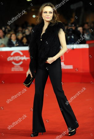 Italian Actress Francesca Neri Arrives For the Premiere of the Movie 'Il Cuore Grande Delle Ragazze' at the 6th Annual Rome Film Festival in Rome Italy 01 November 2011 the Movie by Italian Director Pupi Avat is Presented in Competition at the Film Festival That Runs From 27 October to 04 November Italy Rome