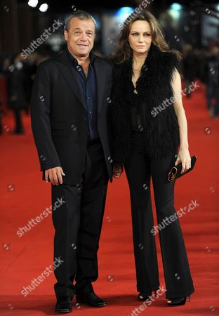 Italian Actors Claudio Amendola (l) and Francesca Neri Arrive For the Premiere of the Movie 'Il Cuore Grande Delle Ragazze' at the 6th Annual Rome Film Festival in Rome Italy 01 November 2011 the Movie by Italian Director Pupi Avat is Presented in Competition at the Film Festival That Runs From 27 October to 04 November Italy Rome