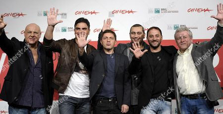 Italian Director Guido Lombardi (3-r) Poses with Italian Actors (l-r) Peppe Lanzetta Salavtore Ruocco Carmine Paternoster Salvatore Striano and Gaetano Di Vaio During the Photocall For 'Take Five' at the 8th Annual Rome Film Festival in Rome Italy 14 November 2013 the Movie is Presented in the Official Competition at the Festival That Runs From 08 to 17 November Italy Rome