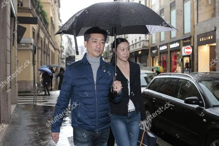Thai Businessman Bee Taechaubol Walks with His Wife in Milan Center Streets Milan Italy 27 April 2015 Thailand Property Tycoon Bee Taechaubol is Being Linked with Investment in Italian Soccer Side Ac Milan Italy Milan