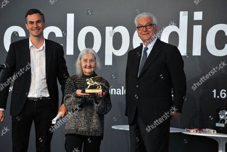 Venice Art Biennale Curator Massimiliano Gioni (l-r) Italian Artist Marisa Merz Laureate of the Golden Lion Award For Lifetime Achievement and Biennale President Paolo Baratta Pose During the Award Ceremony at the 55th International Art Exhibition Garden in Venice Italy 01 June 2013 the Art Biennale of Venice Opens to the Public From 01 June to 24 November Italy Venice