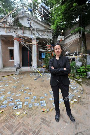 Us Artist Sarah Sze Poses at the Us Pavilion 'Triple Point' During a Preview of the 55th International Art Exhibition in Venice Italy 29 May 2013 the Art Biennale of Venice Opens to the Public From 01 June to 24 November Italy Venice