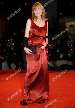 French Actress Isabelle Carre' Arrives at the Premiere For the Film 'Cherchez Hortense' by French Director Pascal Bonitzer During the 69th Venice Film Festival in Venice at the Lido in Venice Italy 01 September 2012 the Movie is Presented out of Competition at the Festival Which Runs From 29 August to 08 September Italy Venice