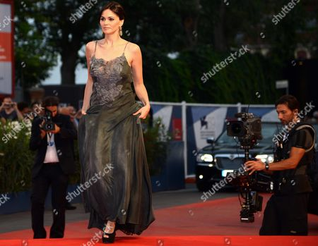 Italian Actress Romina Mondello Arrives at the Premiere For the Movie 'To the Wonder' by Us Director Terrence Malick During the 69th Venice Film Festival in Venice at the Lido in Venice Italy 02 September 2012 the Movie is Presented in Official Competition at the Festival Which Runs From 29 August to 08 September Italy Venice