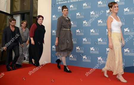 (r-l) Hadas Yaron Rama Burshtein Irit Sheleg and Yiftach Klein Pose During a Photocall For the Movie 'Fill the Void (lemale Et Ha' Chalal)' During the 69th Venice International Film Festival in Venice Italy 02 September 2012 the Movie is Presented in Competition at the Festival Which Runs From 29 August to 08 September Italy Venice