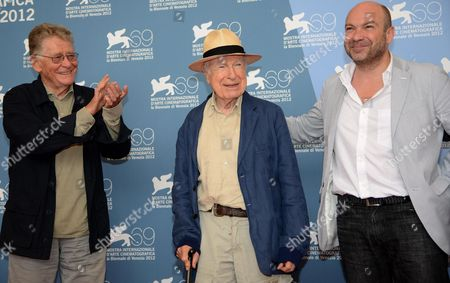 Italian Director and Producer Ermanno Olmi (l) British Theatre and Film Director Peter Brook (c) and His Son Simon (r) Pose During a Photocall For the Film 'The Tightrope' During the 69th Venice International Film Festival in Venice Italy 05 September 2012 the Movie is Presented out of Competition at the Festival Which Runs From 29 August to 08 September Italy Venice
