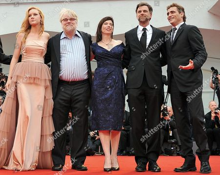 Right to Left Us Actor Joaquin Phoenix Us Director Paul Thomas Anderson Us Producer Joanne Seller Us Actor Philip Seymour Hoffman and U S Actress Madisen Beaty Arrive at the Premiere of 'The Master' During the 69th Venice Film Festival in Venice Italy 01 September 2012 the Movie is Presented in the Official Competition 'Venezia 69' of the Festival Which Runs From 29 August to 08 September Italy Venice