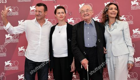 (l-r) Polish Actors Robert Wieckiewicz Polish Actress Agnieszka Grochowska Polish Director Andrzej Wajda and Italian Actress Maria Rosaria Omaggio Pose at a Photocall For 'Walesa Czlowiek Z Nadziei' (walesa Man of Hope) During the 70th Annual Venice International Film Festival in Venice Italy 05 September 2013 the Movie is Presented out of Competition at the Festival Running From 28 August to 07 September Italy Venice