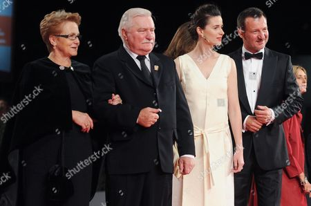 Former Polish President Lech Walesa (2-l) and His Wife Danuta Golos (l) Arrive with Polish Actors/cast Members Agnieszka Grochowska (2-r) and Robert Wieckiewicz (r) For the Screening of 'Walesa Czlowiek Z Nadziei' (walesa Man of Hope) at the 70th Annual Venice International Film Festival in Venice Italy 05 September 2013 the Movie is Presented out of Competition the Festival Runs From 28 August to 07 September Italy Venice