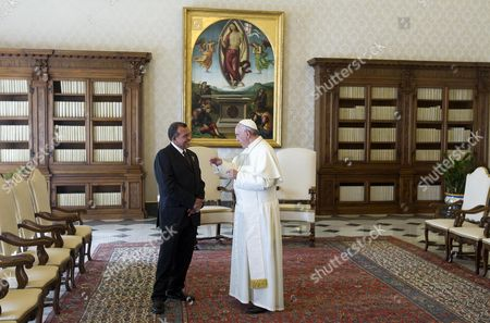 Pope Francis (r) Speaks with Honduras' President Porfirio Lobo Sosa (l) As the Pontiff Receives His Guest in Private Audience at His Rooms at the Vatican Vatican City 20 September 2013 Vatican City State (holy See) Vatican City