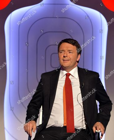 Italian Prime Minister Matteo Renzi is Hosted at the La7 Tv Programm 'Bersaglio Mobile' Conducted by Journalist Enrico Mentana in Rome Italy 22 May 2015 Italy Rome