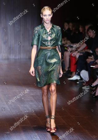 Polish Model Anja Rubik Presents a Creation by Italian Designer Frida Giannini From the Spring/summer 2015 Collection of Italian Label Gucci During the Milan Fashion Week in Milan Italy 17 September 2014 the Milano Moda Donna Runs From 17 to 22 September Italy Milan