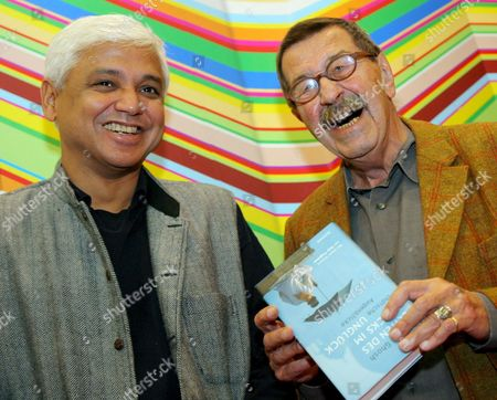 Literature Nobel Laureate Guenter Grass (r) and Indian Author Amitav Ghosh at the Frankfurt Book Fair 2006 in Frankfurt Germany Friday 06 October 2006 the Two Met For a Panel Discussion in the International Centre India is Guest of Honour to the World's Biggest Book Fair Ending on Sunday 8 October Germany Frankfurt Main