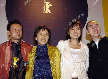 (l-r) Taiwanese Actors Lee Kang-sheng Chen Shiang-chyi Und Lu Yi-ching and Director Tsai Ming-liang at a Berlinale Media Conference on the Movie 'The Wayward Cloud' in Berlin Germany Wednesday 16 February 2005 Germany Berlin