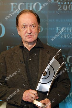 Austrian Conducter Nikolaus Harnoncourt Holds the ''echo Klassik'' Award For ''artist of the Year'' of the German Phono Academy During a Gala Event in Dortmund's Concert Hall on Sunday 26 Octoer 2003 the Annual ''echo Klassik'' Award is Presented in 20 Categories to Musicians who Render Outstanding Services to Classical Music Germany Dortmund