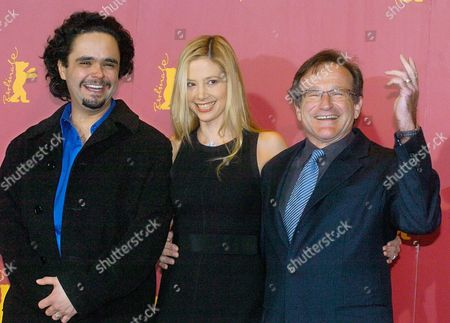 (from L) Film Director Omar Naim and Us Actors Mira Sorvino and Robin Williams Pose During a Photocall to Present Their New Movie 'The Final Cut' As Part of the Festival Competition at the 54th Berlinale International Film Festival in Berlin on Wednesday 11 February 2004 Germany Berlin